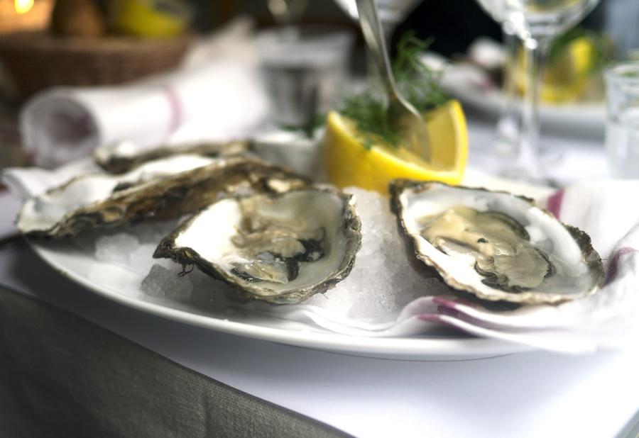 Friske østers bringer altid humøret frem hos undertegnede.