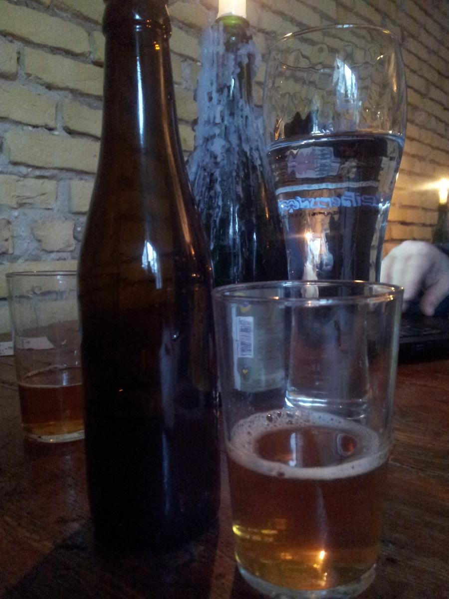 Mange af øllene havde ikke etiketter på, da der var tale om forsøgsbryg, som ikke skal i handlen.