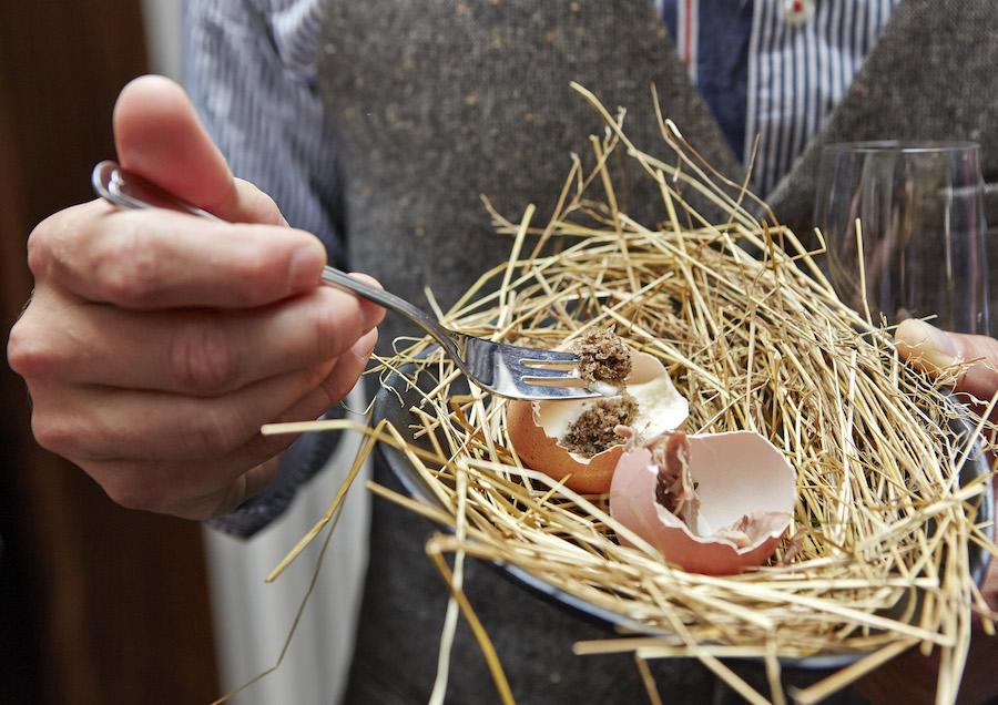 Trøffet og confit de canard i rede. Foto: Flemming Gernyx.