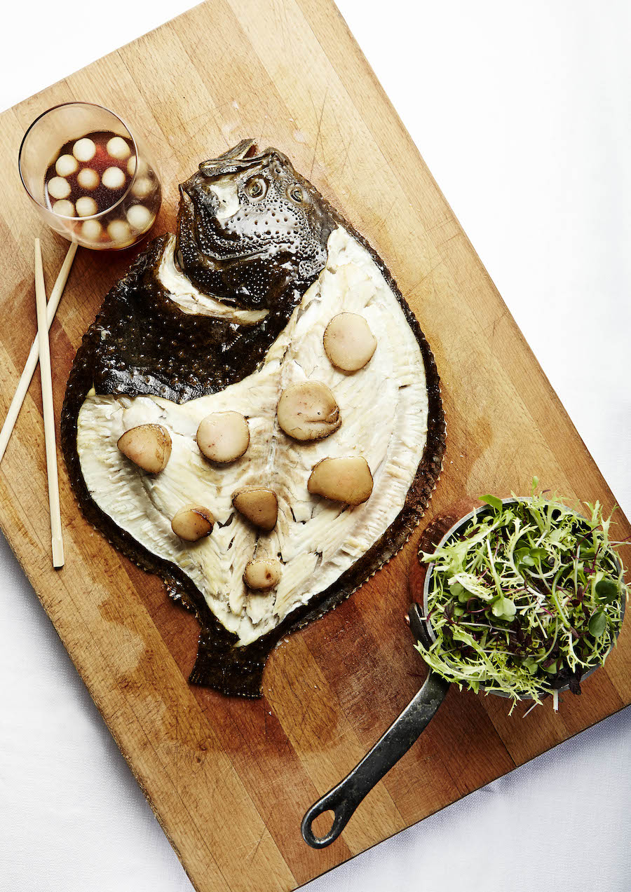 Pighvar a la Asien. Især salaten skabte tilfredshed ved bordet.