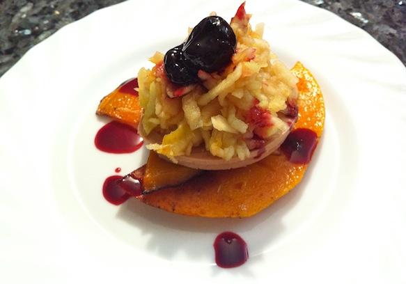 Græskar og foie gras på samme tallerken var en uafprøvet kombination for mit vedkommende, men det fungerede rigtig godt i samspil med de friske og syrlige komponenter, alias æble og kirsebær.