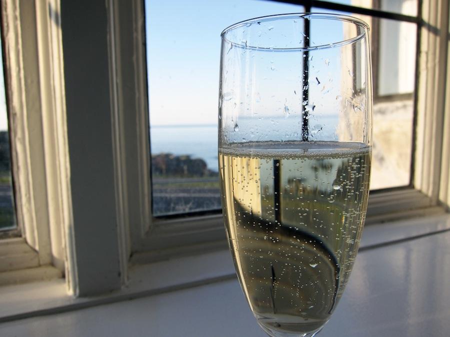 Fred, idyl og champagne. Eneste anke går til selve glasset, som ikke ydede vinen retfærdighed