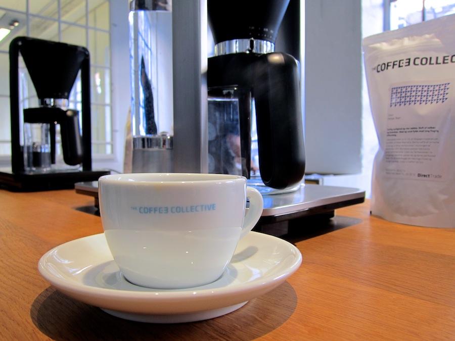 Jeg kan kun anbefale dig at besøge Coffee Collective på Godthåbsvej eller i Torvehallerne til en god og passioneret snak om kaffe.