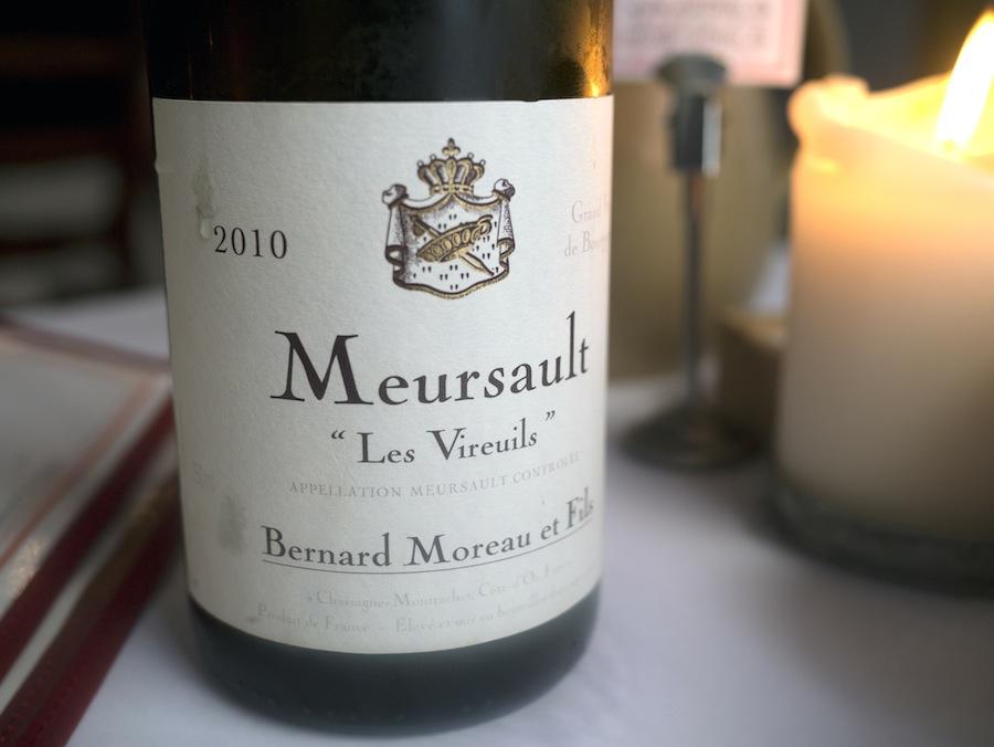 Der var glædesfremmende chardonnay i glasset. Meursault er bare godt.
