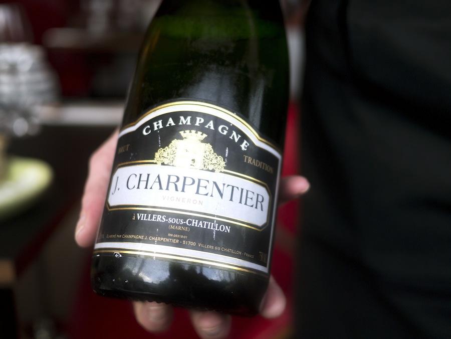 Glimrende champagne fra J. Charpentier et lægge ud med.