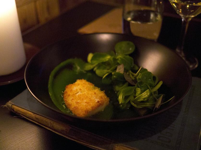 Da jeg bestilte denne ret, forestillede jeg mig noget a la fish 'n' chips, men denne servering var langt mere frisk i sit udtryk.