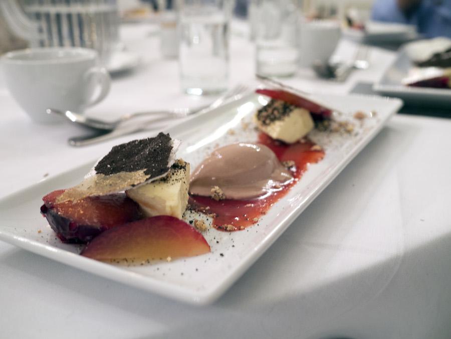 En ganske voluminøs dessert, der dog ikke begejstrede i samme grad som de tre salte retter.