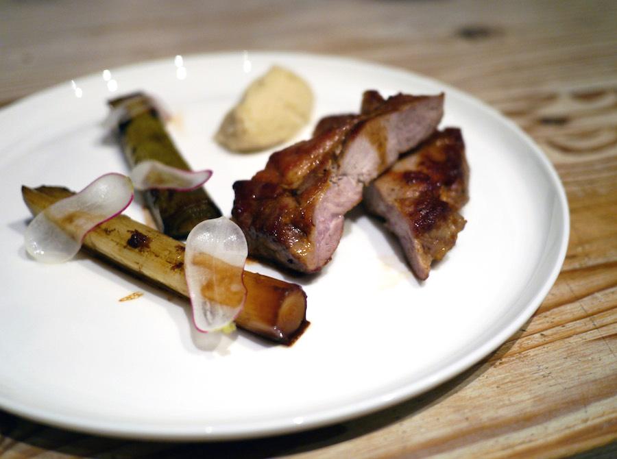 Nakkefilet er et smagsrigt, saftigt stykke kød, som tilmed er nemt at tilberede.