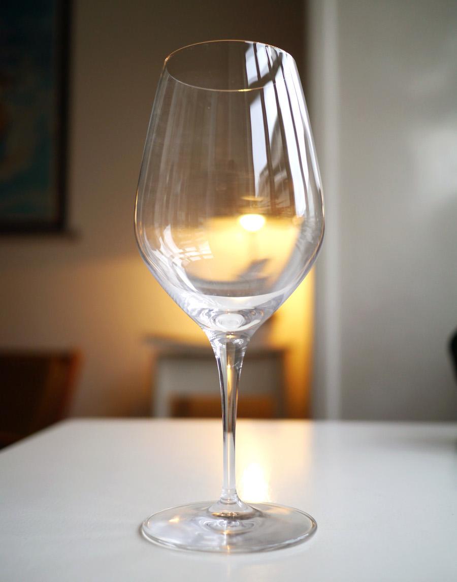 Spiegelau Authentis var den første glasserie, jeg købte, og til hverdag er de rigtig gode. Her er det bordeaux-glasset, som koster 79,95 for to.