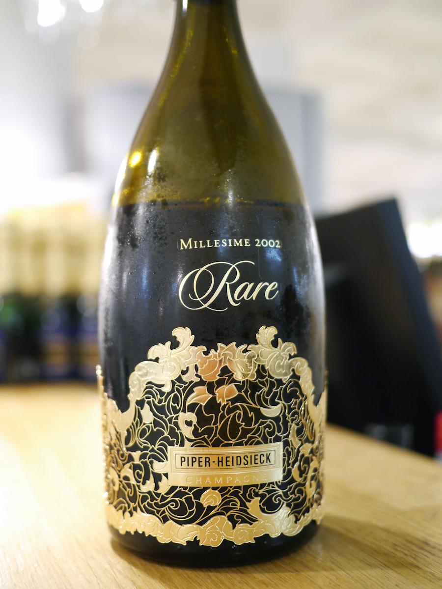 Denne flaske Piper-Heidsieck Rare 2002 er en af de bedste champagner, jeg har smagt i år; moden, udtryksfuld og stadig med stor friskhed.
