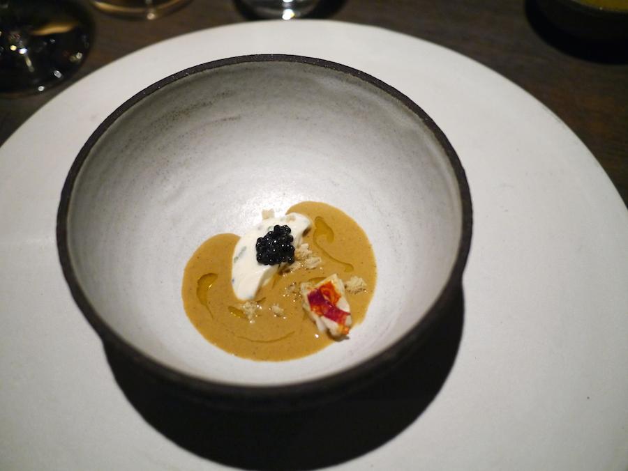Blomkål, caviar, hummer og trøfler.