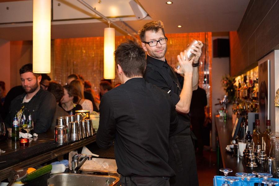Der blev mixet gode cocktails af ditto bartendere.