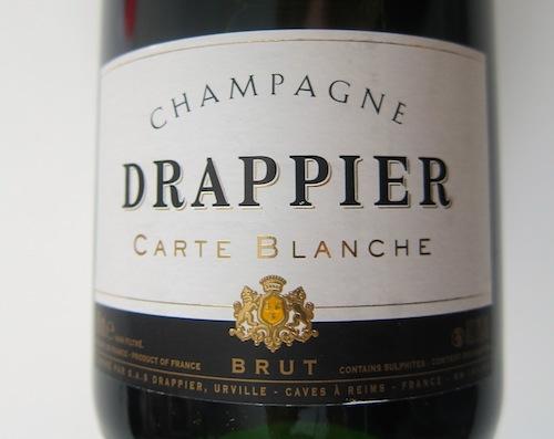 Skal du have mange flasker, er Drappier Carte Blanche et godt bud fra Philipson Wine.