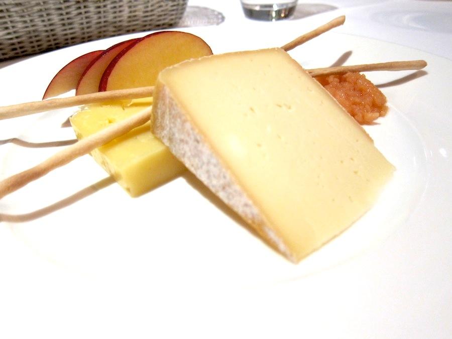 To lokale oste med glimrende kvædekompot som garniture.