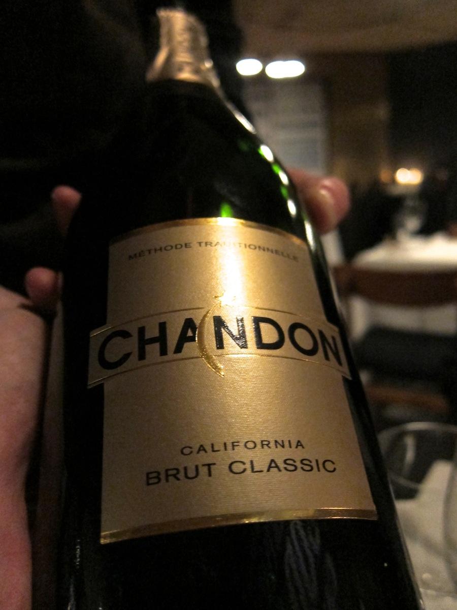 Chandon, søsterhus til Moët & Chandon - pinot noir-domineret champagnestil i den kraftige ende af skalaen.